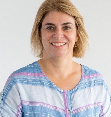 Joanna Field
